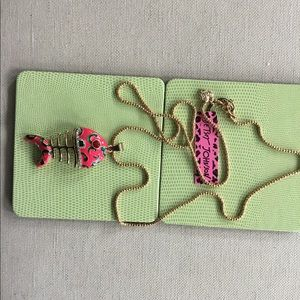 """NWT Betsey Johnson Fish necklace 14"""" chain/fish 3"""""""